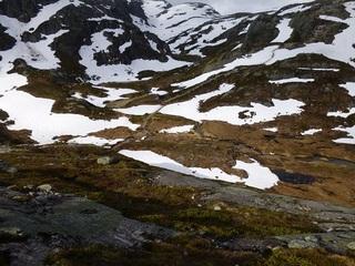一山超えると雪景色